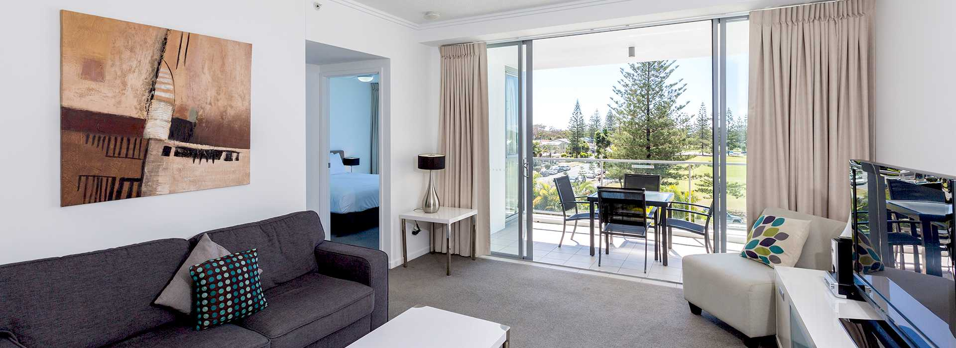 2 Bedroom Family Apartments Broadbeach Ocean Pacific Resort